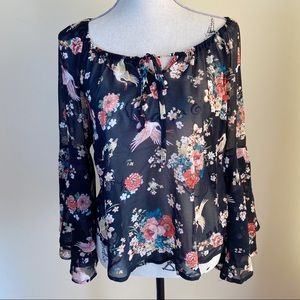 🌵Lily White Floral & Bird Print Bell Sleeve Top